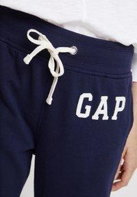 GAP - Træningsbukser - navy uniform - 4