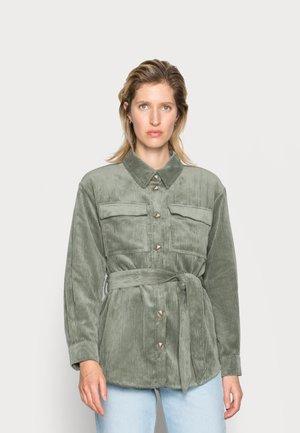 SAMEA JEPPI - Lehká bunda - agave green