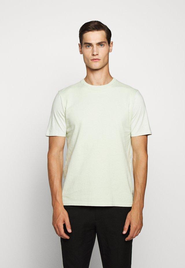 CONTRAST SLEEVE TEE - T-shirt basique - lichen