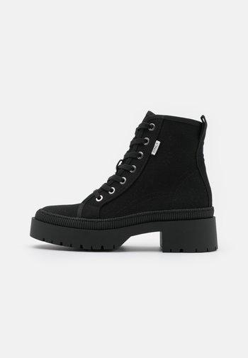 ONLPHOBE LACE UP BOOT  - Platform ankle boots - black