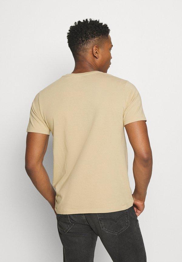 Levi's® HOUSEMARK GRAPHIC TEE - T-shirt z nadrukiem - beige/sand/beżowy Odzież Męska UECV