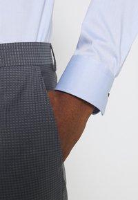 Tommy Hilfiger Tailored - FLEX SLIM FIT SUIT - Suit - grey - 5