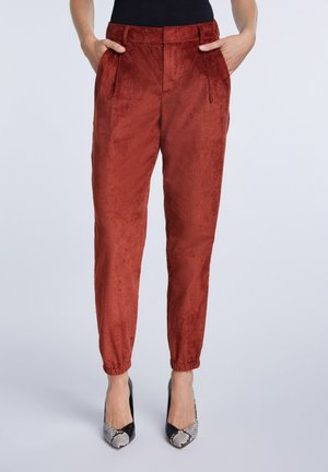 Trousers - maroon