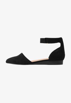 LANDREW - Ankle strap ballet pumps - black