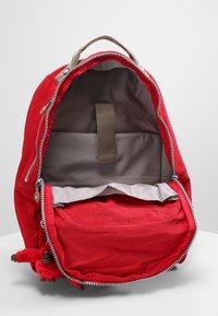 Kipling - CLAS SEOUL - Rucksack - true red c - 5