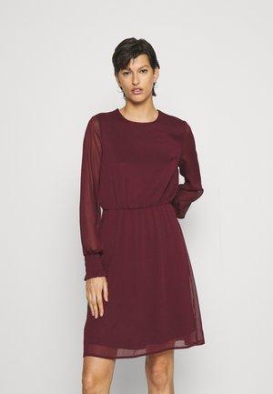 VMSMILLA DRESS - Cocktail dress / Party dress - port royale