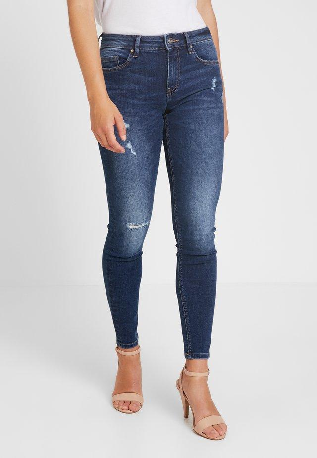 ONLFCARMEN REG SK DES JEAN SOO3550 - Jeans Skinny Fit - medium blue denim
