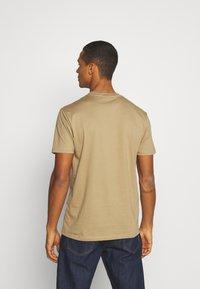 Minimum - AARHUS - Basic T-shirt - elmwood - 2