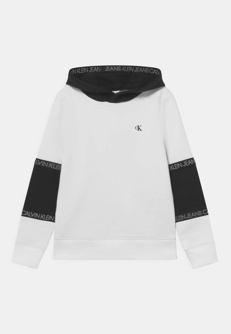 Calvin Klein Jeans - COLOURBLOCK TAPE HOODIE UNISEX - Sweatshirt - white