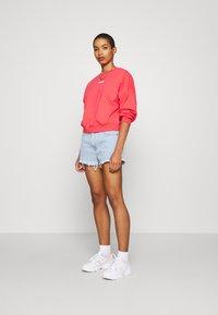 Wrangler - SUMMER WEIGHT - Sweatshirt - paradise pink - 1