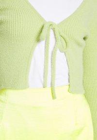 BDG Urban Outfitters - NOORI TIE FRONT CARDI - Kardigan - lime - 4