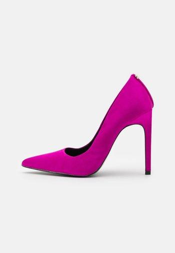 Czółenka - pink