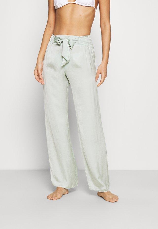 GRADY PANTALON - Strand accessories - celadon
