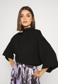 Monki - HILLIE TEE - T-shirt basic - black - 0