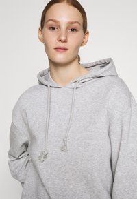 Pieces - PCCHILLI HOODIE - Hoodie - light grey melange - 3
