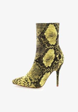 VELLETRI  - Kotníková obuv na vysokém podpatku - żółty