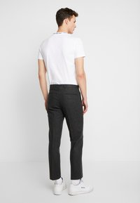 Shelby & Sons - BEMBRIDGE TROUSER - Trousers - charcoal - 2