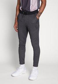 CLOSURE London - TEXTURED STRIPE TROUSER - Pantalones deportivos - grey - 0