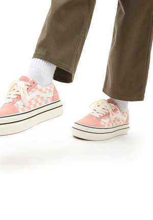 UA Super ComfyCush Old Skool - Matalavartiset tennarit - suede canvas peachmshmlw