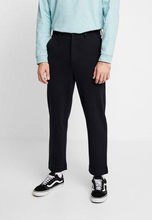 HAWTIN CROP - Pantalon classique - true navy