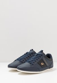 Lacoste - CHAYMON - Sneakersy niskie - navy/black - 2
