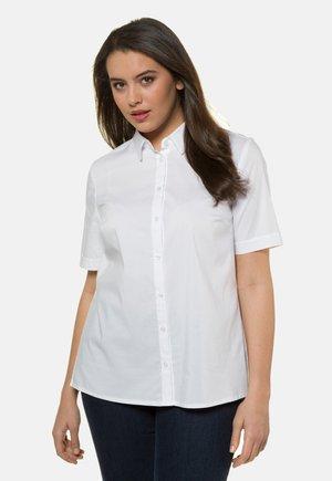 GROSSE GRÖSSEN  BIS 60   KURZARM, BUSINESS - Button-down blouse - white
