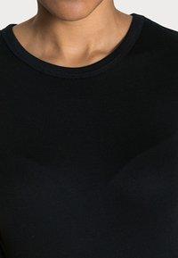 GAP - MOD CREW - Basic T-shirt - true black - 4