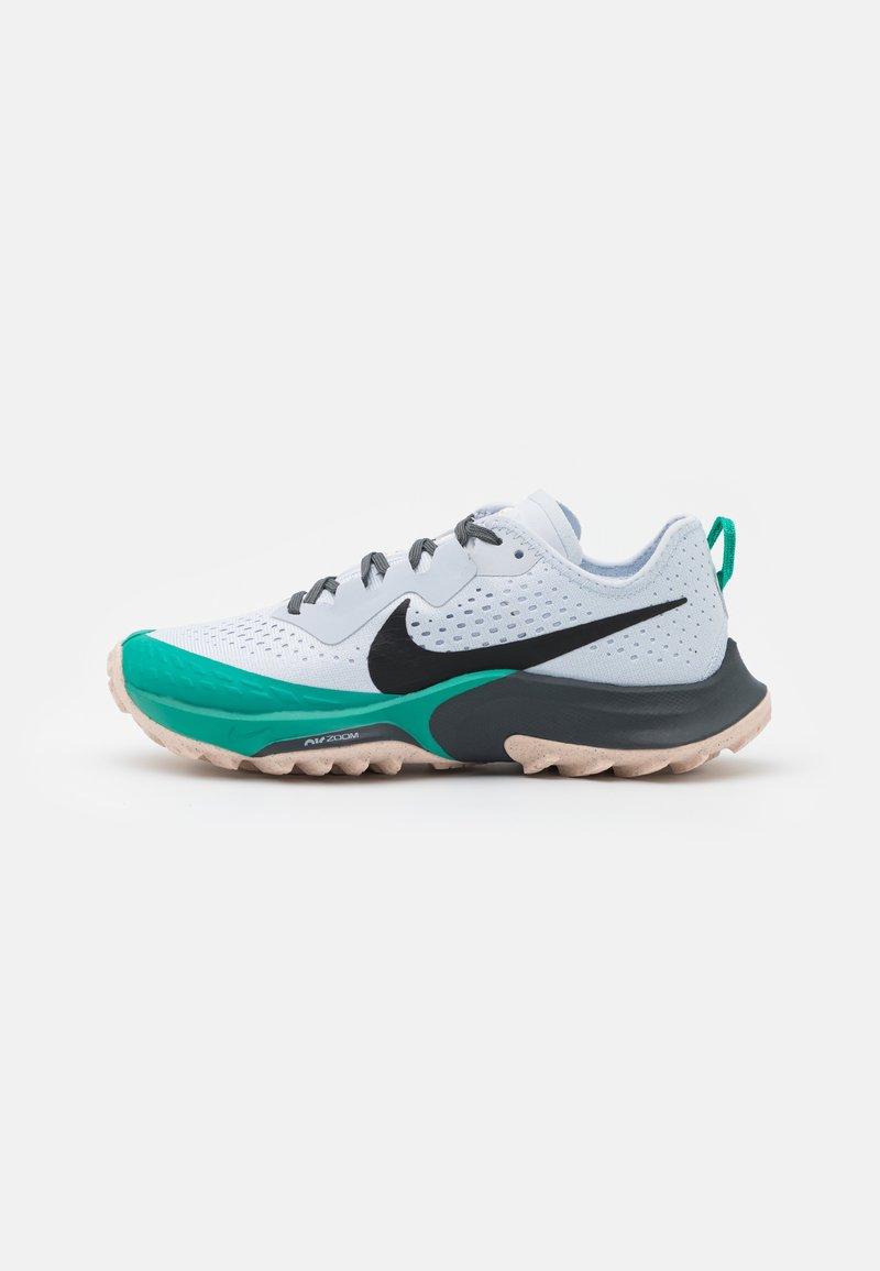 Nike Performance - AIR ZOOM TERRA KIGER 7 - Trail running shoes - football grey/black/ghost/iron grey/neptune green/crimson tint