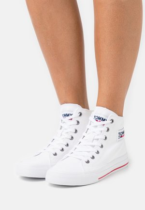 MIDCUT - Zapatillas altas - white