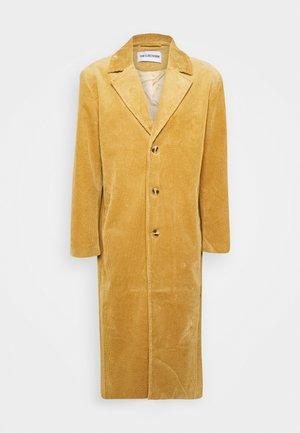 BOXY COAT - Classic coat - brown