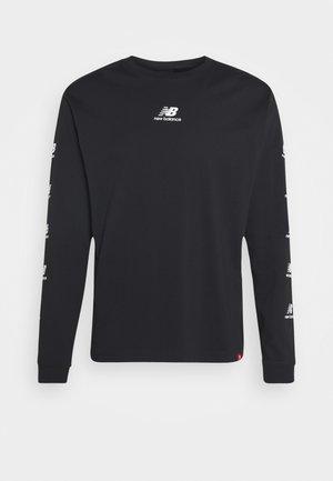 ESSENTIALS STACK PACK  - Maglietta a manica lunga - black