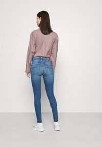 Tommy Jeans - SYLVIA HIGH RISE SKINNY ANKLE - Jeans Skinny Fit - harlow mid blue - 2