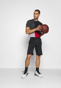 Jordan - AIR DRY SHORT - Sportovní kraťasy - black/white - 1