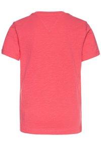 Tommy Hilfiger - ESSENTIAL LOGO - T-shirt z nadrukiem - pink - 1