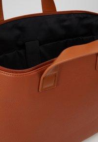 Even&Odd - Taška na laptop - cognac - 4