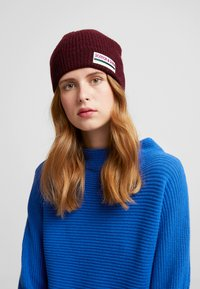 Scotch & Soda - BEANIE IN SOFT - Mütze - barbera - 3