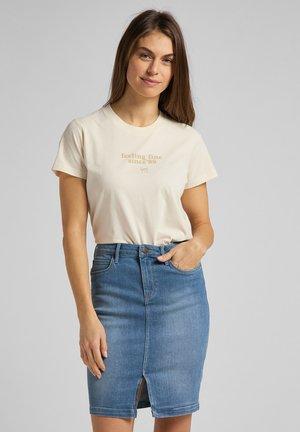 T-shirt z nadrukiem - shark tooth