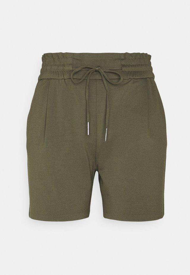 VMEVA  - Shorts - ivy green