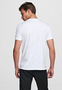 KARL LAGERFELD - IKONIK - Camiseta básica - white - 2