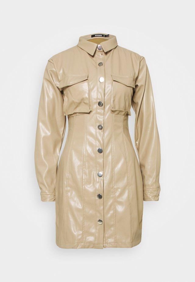 BUTTON FRONT UTILITY DRESS - Vestido camisero - cream