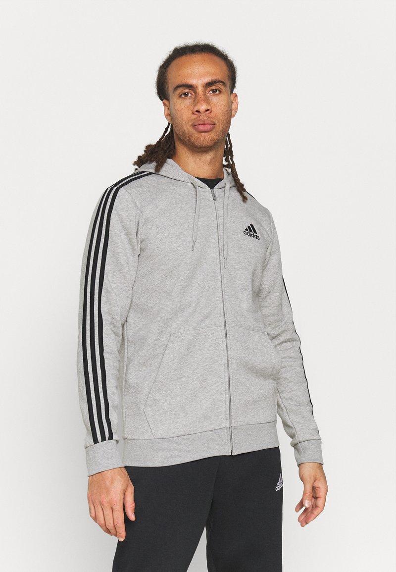 adidas Performance - 3 STRIPES FLEECE FULL ZIP ESSENTIALS SPORTS TRACK JACKET HOODIE - Zip-up sweatshirt - medium grey heather