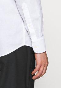 J.LINDEBERG - DANIEL AIRCEL - Formální košile - white - 3