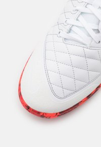 Nike Performance - LUNAR GATO II IC - Indoor football boots - white/black/bright crimson/grey fog - 5