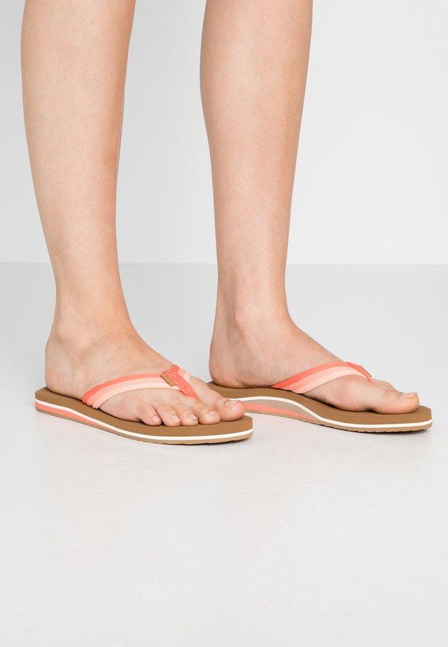 VOYAGE LITE BEACH - Sandály s odděleným palcem - orange