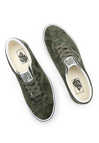 Vans - UA VANS SPORT - Sneakers - (pig suede) olive/true white - 5