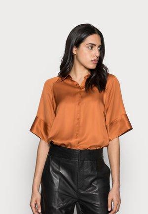 YULIE SHIRT - Button-down blouse - honey