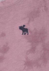 Abercrombie & Fitch - CORE CREW  - Print T-shirt - purple - 2