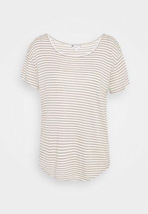 LUCIANNA - T-shirt imprimé - laurel sugar