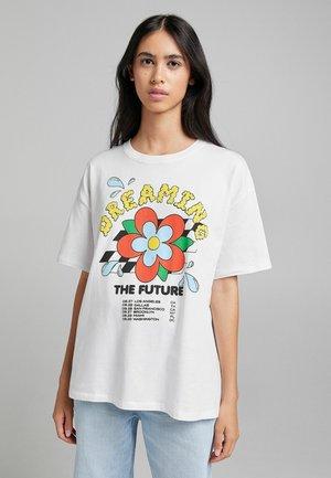 OVERSIZED - T-shirt imprimé - white