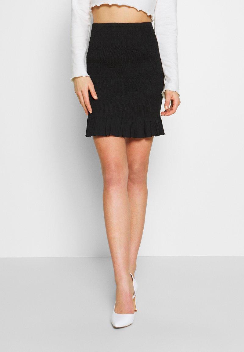 Nly by Nelly - SMOCK MINI SKIRT - Mini skirt - black